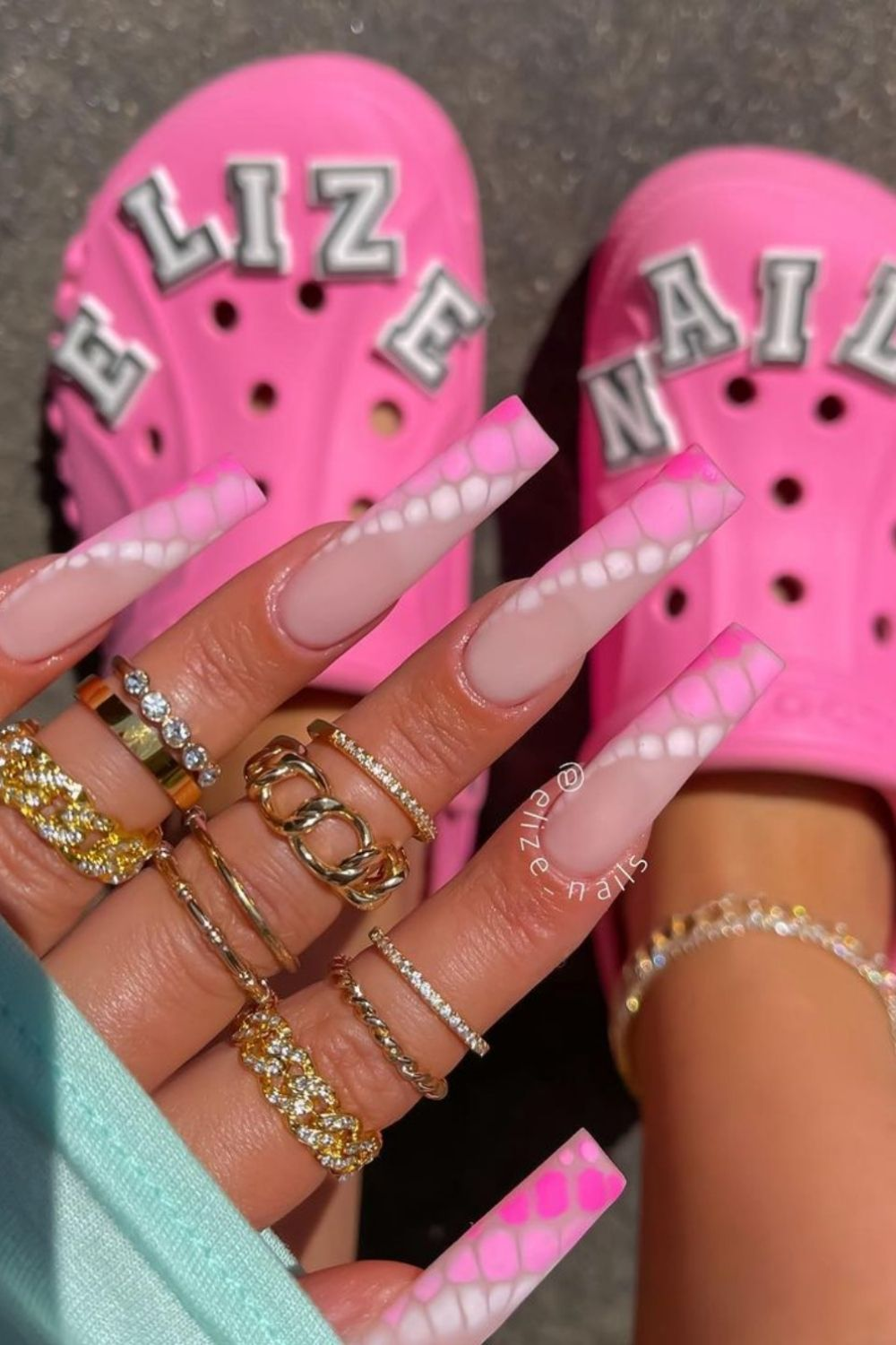 Pink coffin nails   Awesome coffin-shaped nail color for Summer and Fall 2021