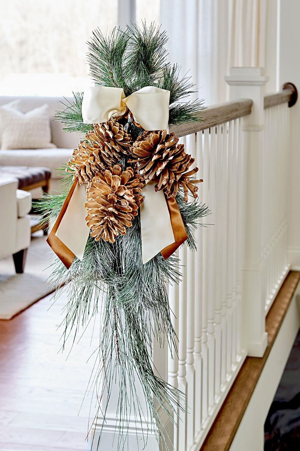 HOW TO MAKE CHRISTMAS WREATHS WITH PINECONE  SWAG 2021